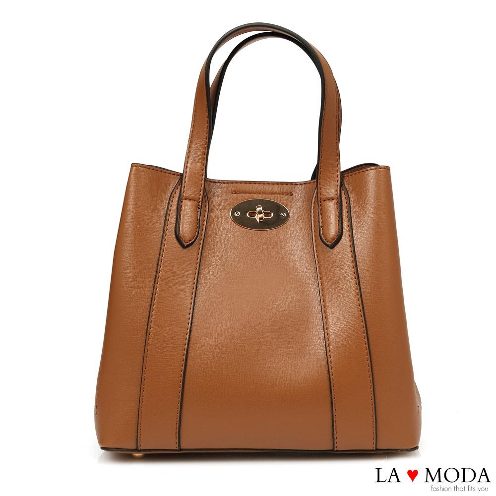 La Moda 精緻工藝大容量旋鈕釦飾設計肩背手提托特包(棕)