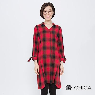 CHICA 搖擺英倫V領打褶格紋襯衫(2色)