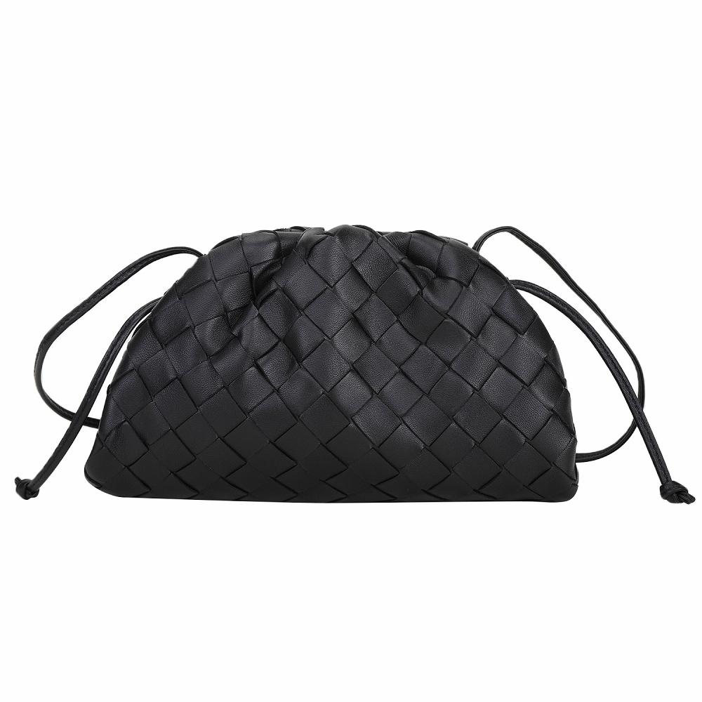 BOTTEGA VENETA The Pouch 20 編織羊皮雲朵包(黑色)