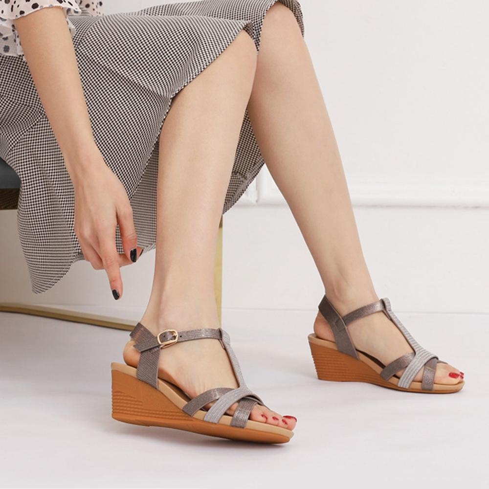 LN  現+預 復古風輕奢魚口坡跟涼拖鞋(涼拖鞋/休閒鞋)