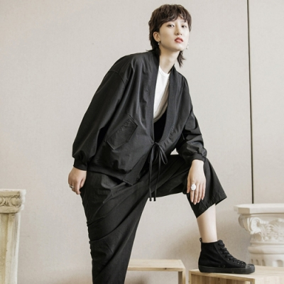 設計所在Style-暗黑風日系寬鬆綁帶中性短夾克外套