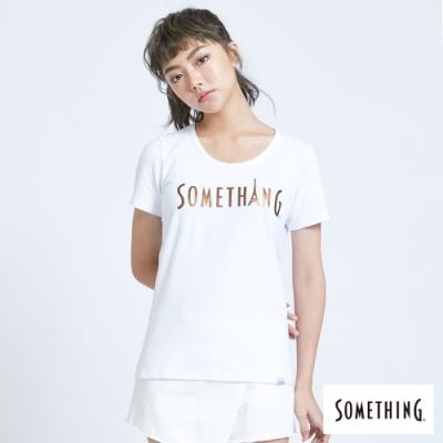 SOMETHING 光澤感LOGO印花 短袖T恤-女-白色