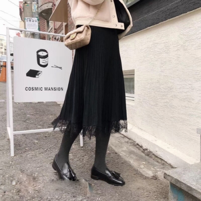 La Belleza素色鬆緊腰坑條壓折下擺拼接蕾絲針織長裙