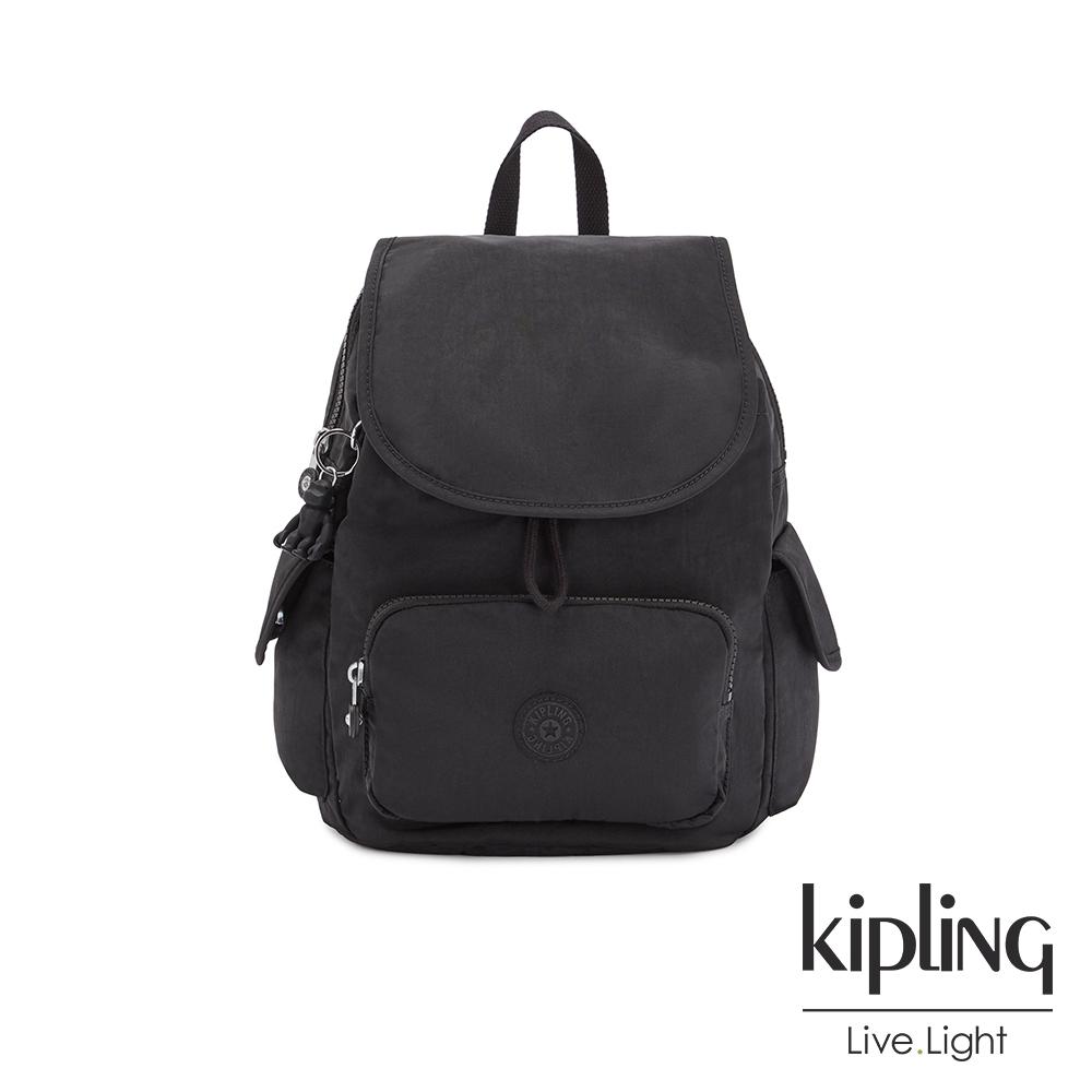 Kipling 曜岩黑品牌經典圓標拉鍊掀蓋後背包-CITY PACK S