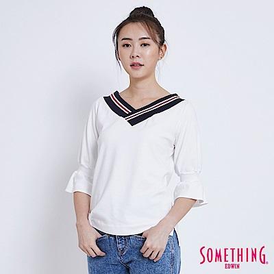 SOMETHING 學院風V領 喇叭袖T恤-女-白色