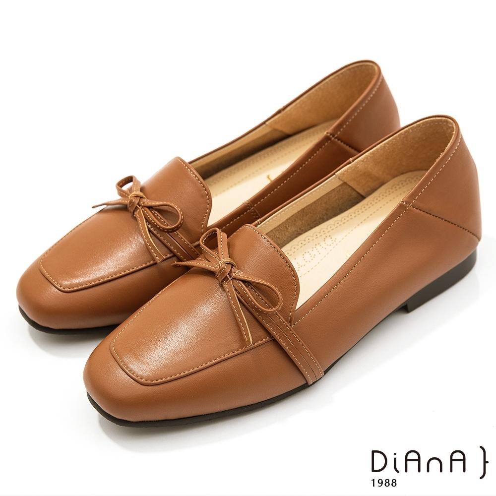 DIANA 1.5 cm質感牛皮蝴蝶結低跟樂福鞋-漫步雲端焦糖美人-榛果棕