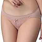 思薇爾 午夜巴黎系列M-XL蕾絲刺繡低腰三角內褲(蜜鮭粉)