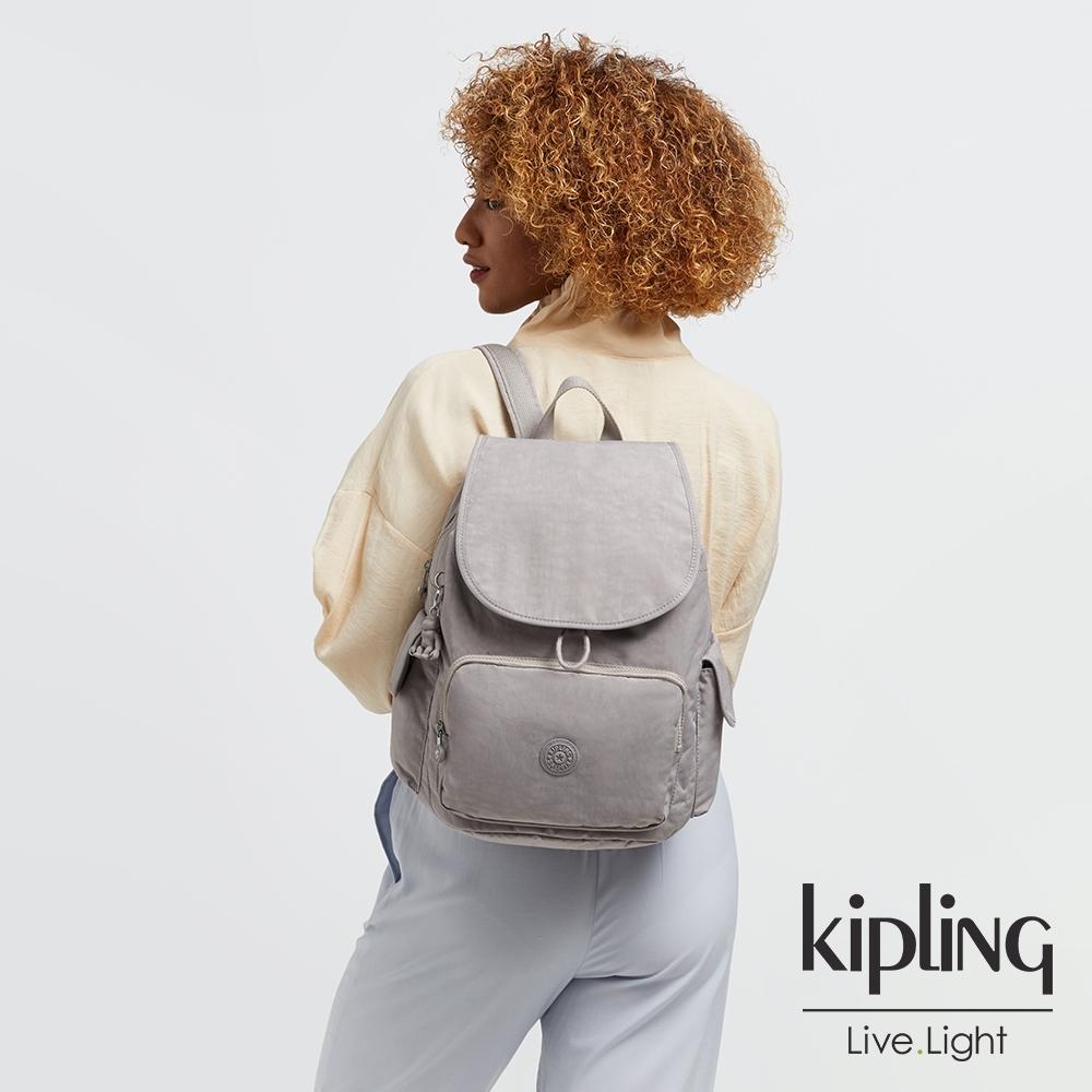 Kipling 溫柔沉穩灰拉鍊掀蓋後背包-CITY PACK