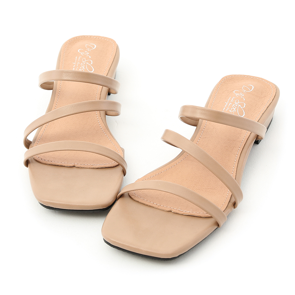 D+AF 夏日印象.三條帶方頭低跟涼拖鞋*杏