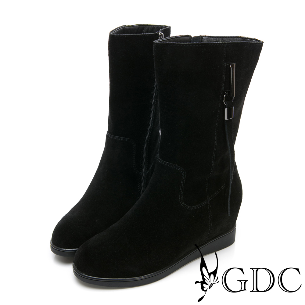 GDC-基本款麂皮素面側流蘇中筒靴-黑色