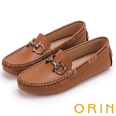 ORIN 復古樂活主義 經典馬蹄扣手縫牛皮平底鞋-棕色