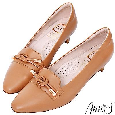 Ann'S打造知性品味-頂級小羊皮單結低跟包鞋-棕