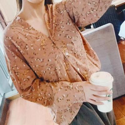 La Belleza雙V領滿版碎花開釦雪紡襯衫