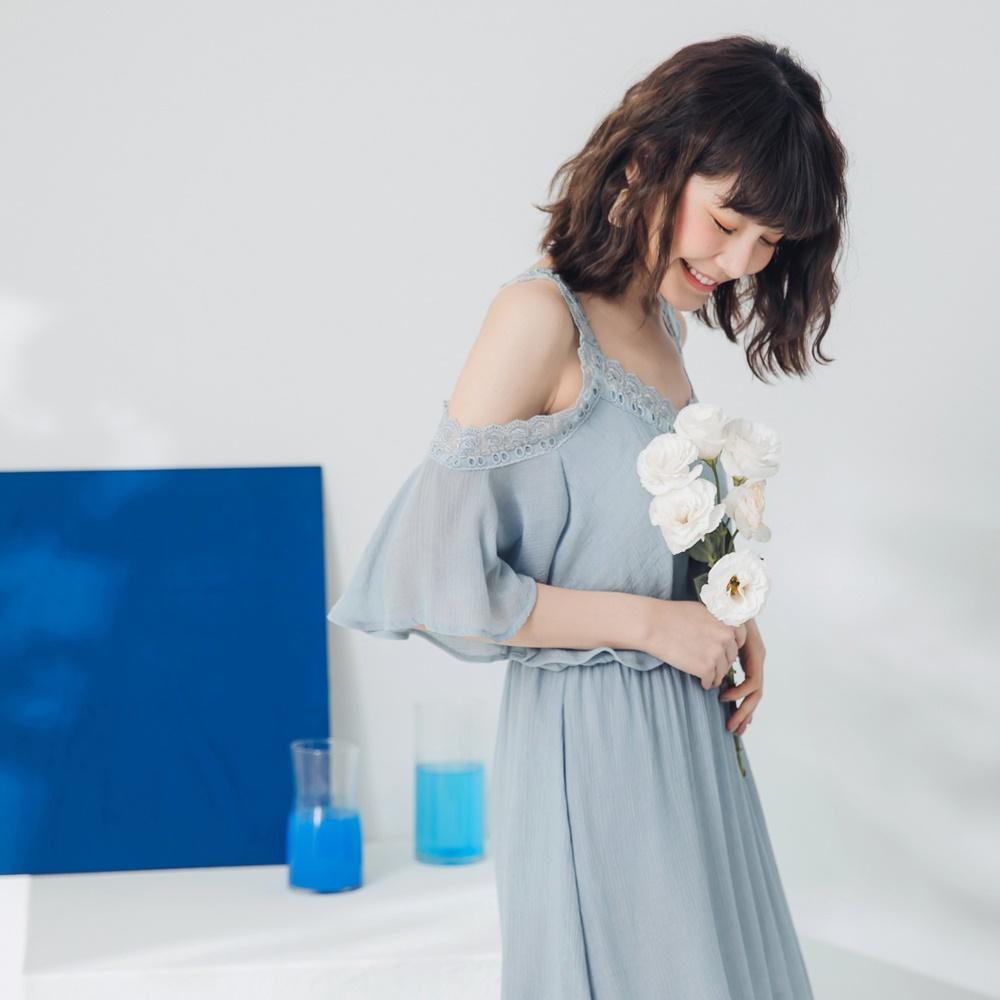 鏤空蕾絲滿版壓褶縮腰長洋裝-OB嚴選 product image 1