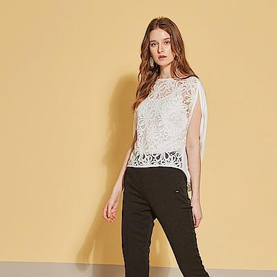 ICHE 衣哲 進口精緻3D蕾絲雕花拼接造型上衣-質感白