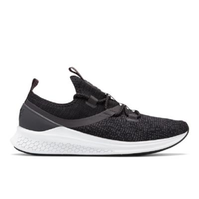 New Balance 避震跑鞋 WLAZRMB 女性 黑色