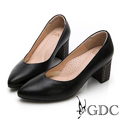 GDC-莫藍迪色系尖頭V型上班優雅素面粗跟鞋-黑色