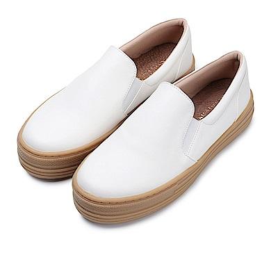 BuyGlasses 黑白郎君復古再現懶人鞋-白