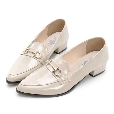 PLAYBOY 玩美小時光 英倫格調漆皮樂福鞋-米-YD731733
