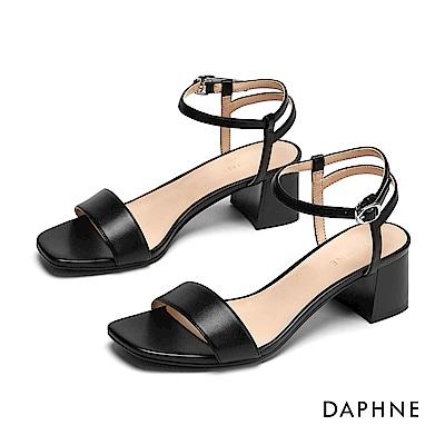 達芙妮DAPHNE 涼鞋-簡約原色一字帶復古粗跟涼鞋-黑色