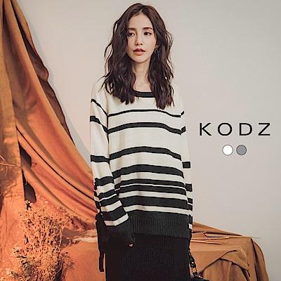 東京著衣-KODZ 簡約橫條側綁帶蝴蝶結針織上衣-S.M.L(共二色)
