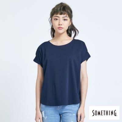 SOMETHING 質感素雅圓領 短袖T恤-女-黑藍色