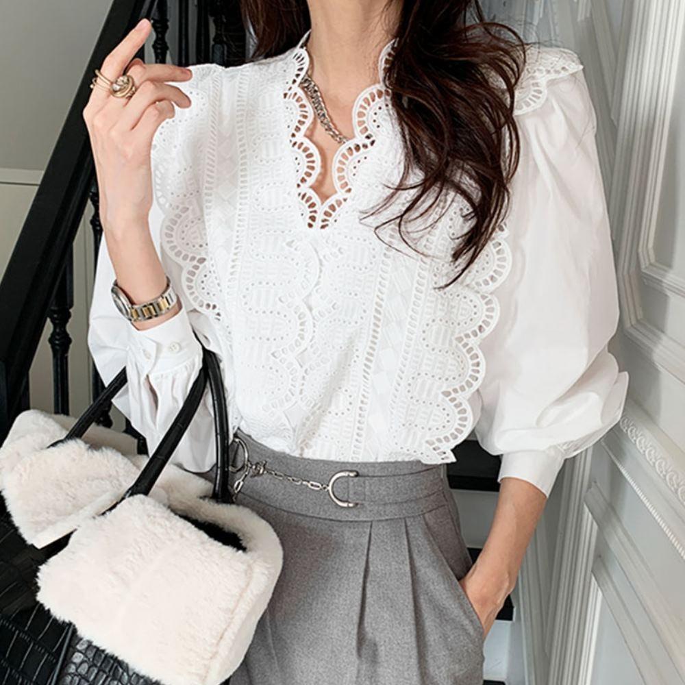 La Belleza法式優雅V領蕾絲花邊鏤空滾邊雕花拼接襯衫