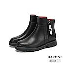 達芙妮DAPHNE 短靴-圓頭字母標語拉鏈撞色粗跟短靴-黑