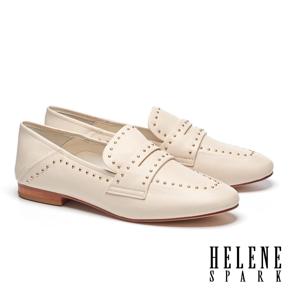 低跟鞋 HELENE SPARK 時髦質感鉚釘牛皮樂福低跟鞋-白