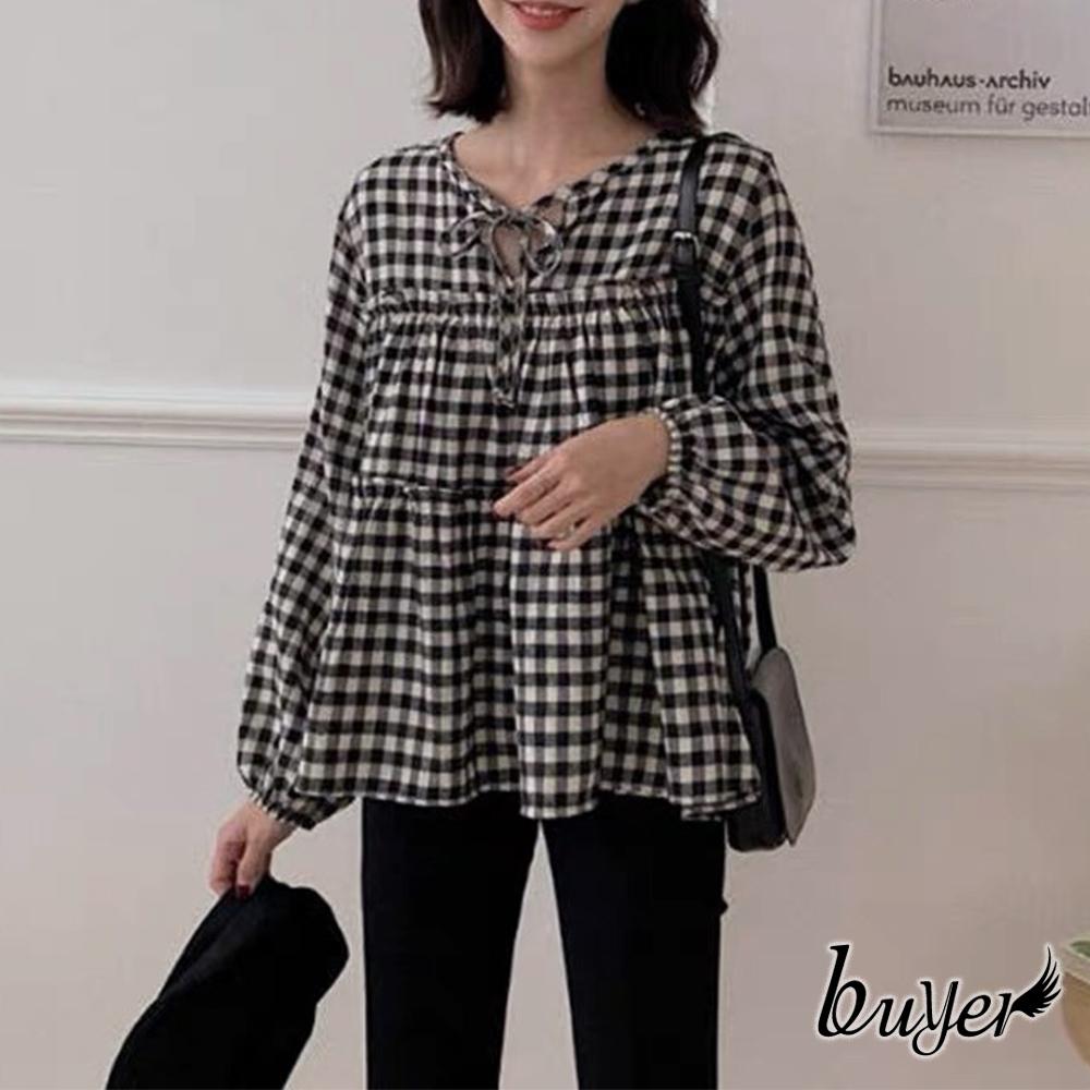 【白鵝buyer】時尚 格紋層次木耳捲上衣(黑白)