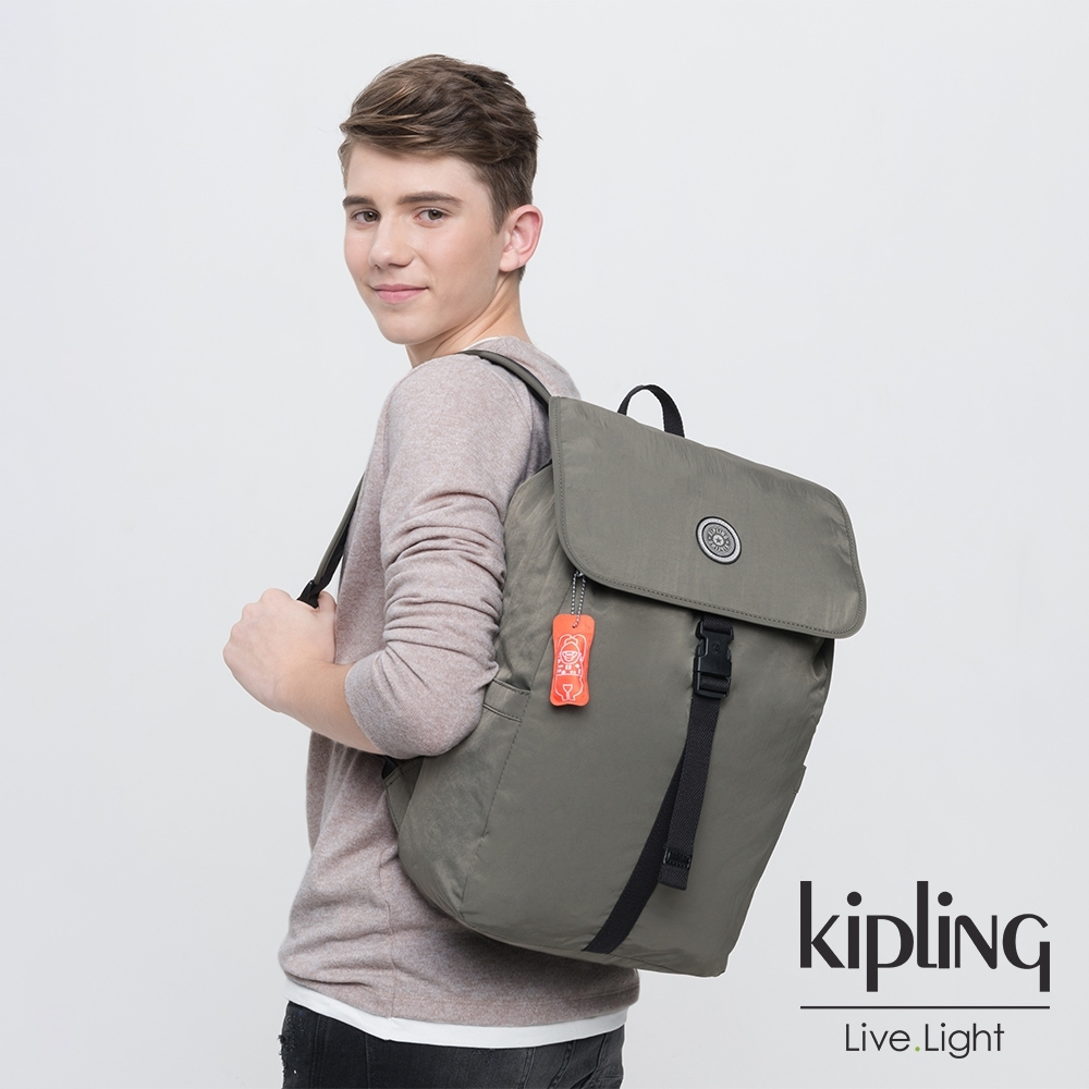 Kipling 率性深褐軍綠插扣袋蓋後背包-WINTON