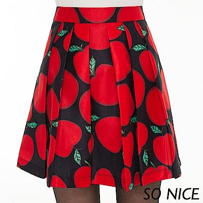 SO NICE俏麗蘋果印花壓褶短裙
