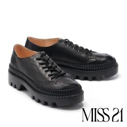 休閒鞋 MISS 21 輕復古學院派真皮厚底休閒鞋-黑