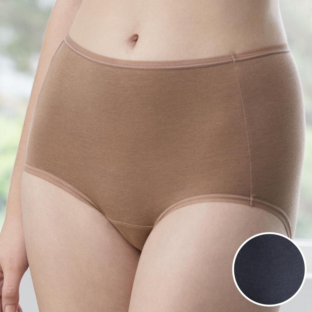 華歌爾-天絲竹炭 M-3L 中高腰三角褲 (僞黑)