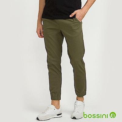 bossini男裝-輕鬆彈性束口長褲01軍綠色
