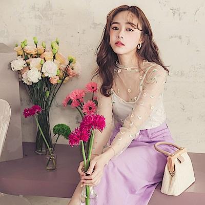 iMODA STAR-時髦甜美花朵刺繡透膚網紗長袖上衣