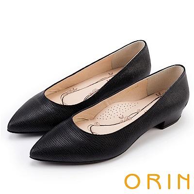 ORIN 典雅輕熟OL 牛皮蜥蜴壓紋素面尖頭粗低跟鞋-黑色