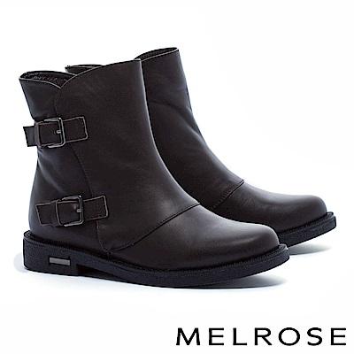 短靴 MELROSE 獨特側剪裁雙飾釦繫帶牛皮低跟短靴-咖