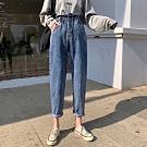 La Belleza高腰荷葉壓折鬆緊腰兩側反釦側口袋水洗刷色牛仔褲