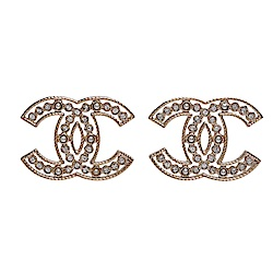 CHANEL經典CC LOGO簍空造型水鑽珍珠鑲嵌穿式耳環(金)