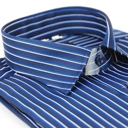金‧安德森 深藍底藍白線條窄版長袖襯衫