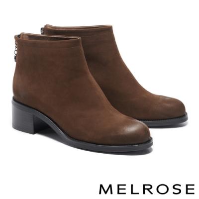 短靴 MELROSE 極簡率性俐落剪裁粗高跟短靴-咖