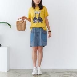 慢 生活 大眼長頸鹿刺繡拼布T恤- 黃/粉紅