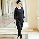 簡約休閒背扣設計兩件式褲套裝L~4XL(共二色)-理子時尚