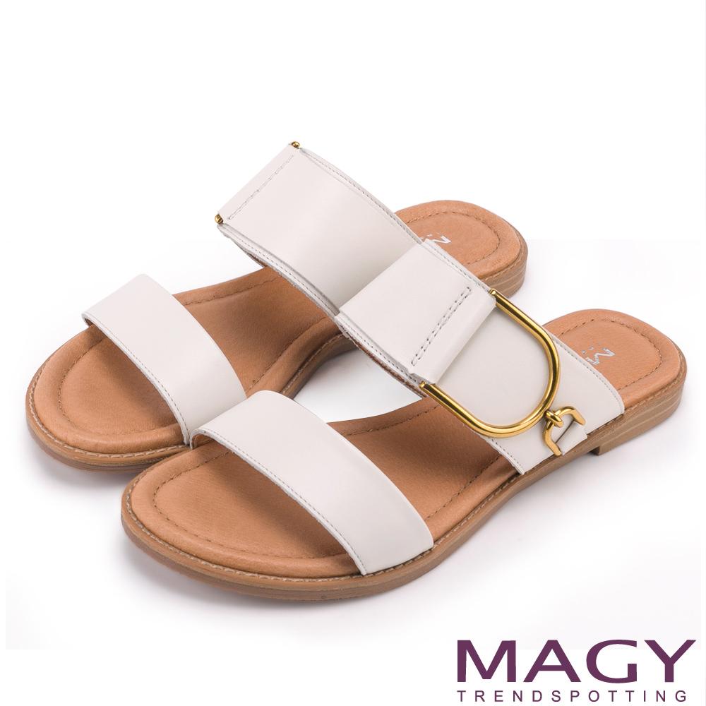 MAGY 寬版真皮大圓釦平底一字 女 拖鞋 白色