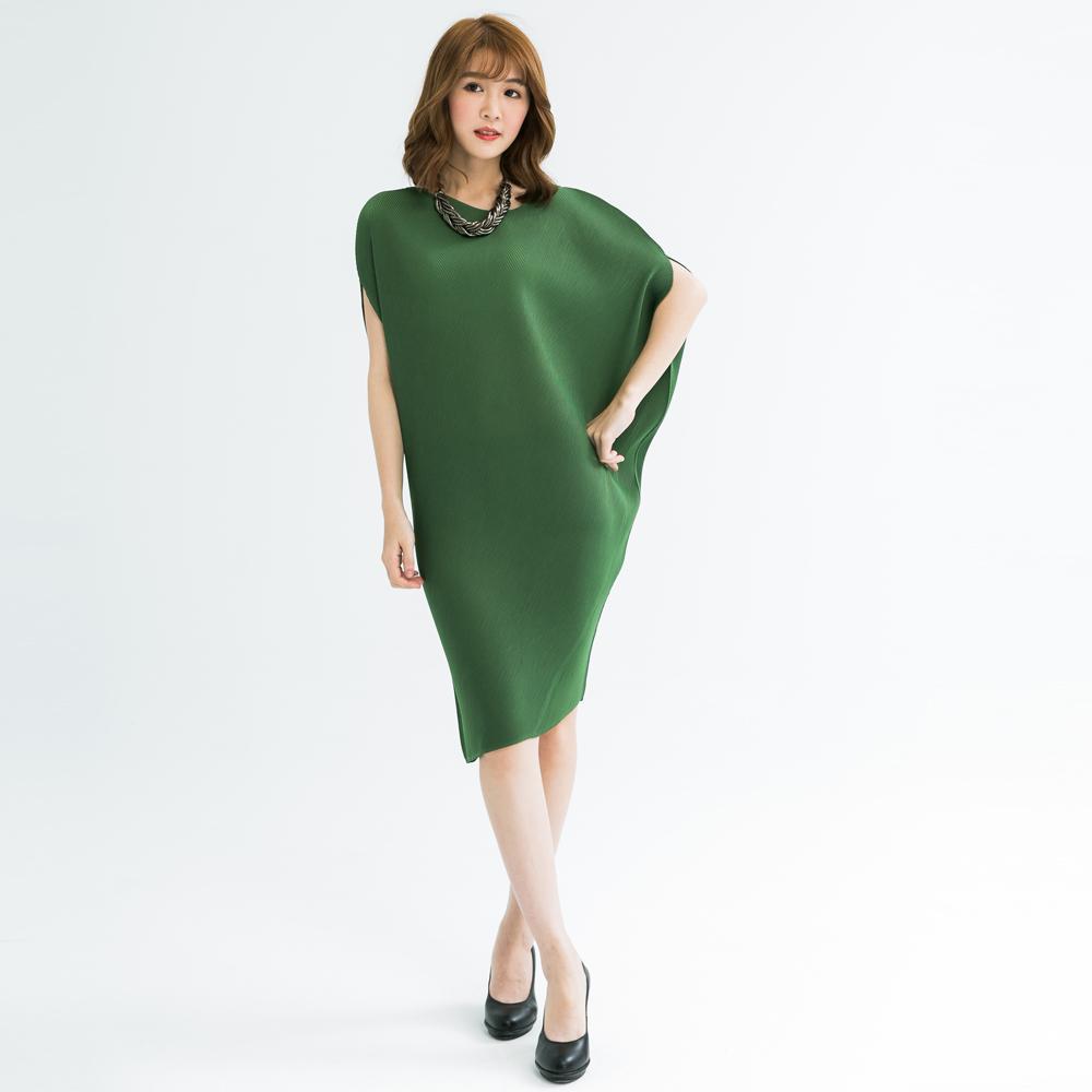 M@F摺衣 3D剪裁律動壓摺洋裝-黑色/綠色