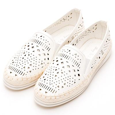 River&Moon中大尺碼-時尚沖孔幾何麻編豆豆休閒鞋-白