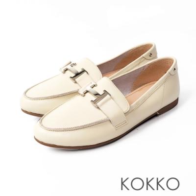 KOKKO -經典H扣休閒莫卡辛軟底鞋-牛奶白
