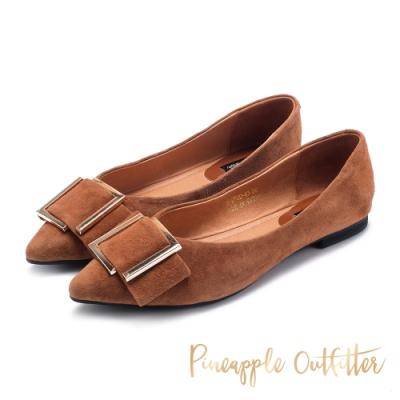 Pineapple Outfitter-FARIS低調姿色金屬方扣尖頭低跟鞋-絨棕色