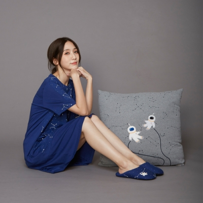Yvonne Collection 星空抱枕(60x60cm)-暗灰